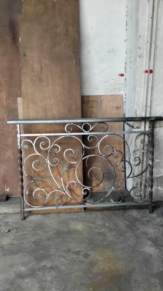 Hench Shanghai Wrought Iron Stair Railing/modern Iron Railing Designs