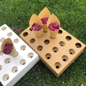 Image 1 - 색종이 콘 홀더 FEESTIGO 자연 꽃잎 색종이 콘 홀더 웨딩 장식 파티 포퍼 콘 스탠드 박스 트레이