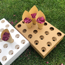 Konfetti stożkowy szpikulec FEESTIGO naturalne płatki konfetti szyszki uchwyt do dekoracji ślubnych stożki serpentyny stojak