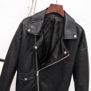 Image 5 - Guilantu 2020 פו עור מפוצל מעיל נשים אופנוע אופנוען פאנק Streetwear גבירותיי עור מעיל בתוספת גודל רופף נשי מעיל