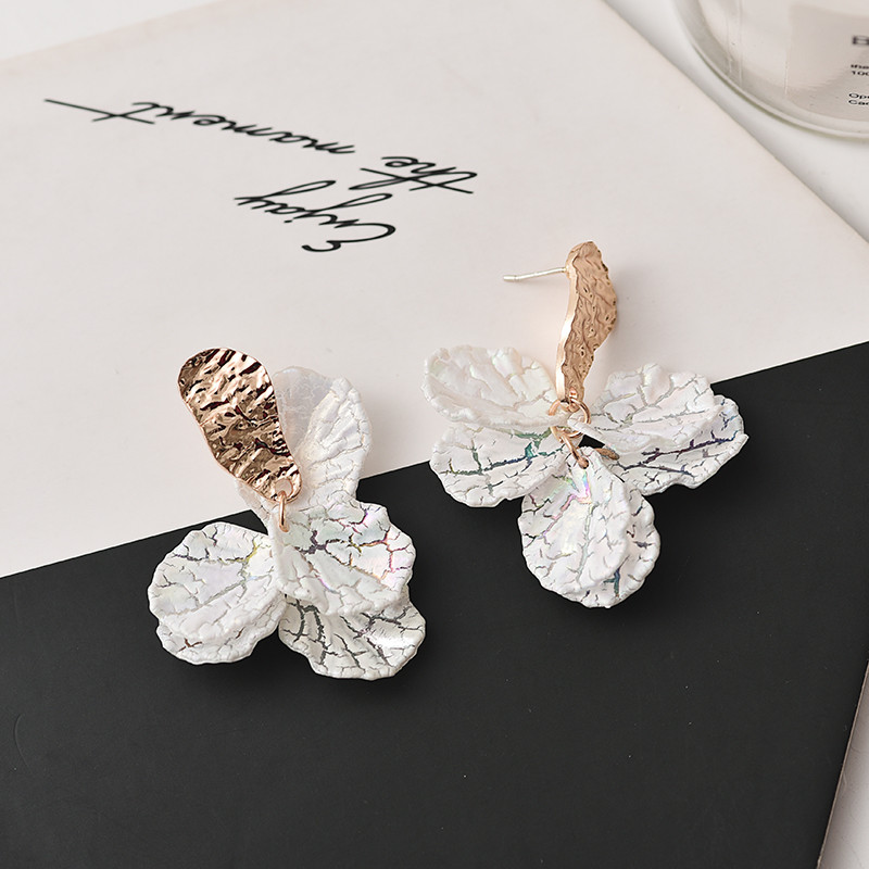 Korean White Shell Flower Petal Drop Earrings For Woman 2020 New Statement Pendant Trendy Jewelry