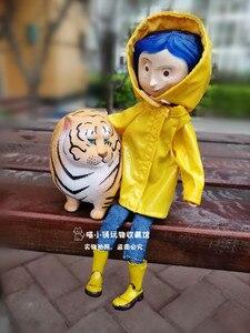 Image 4 - 노란색 비옷 관절과 귀여운 코랄 린 소녀 인형 그림 장난감 어린이 생일 선물 장식 20cm