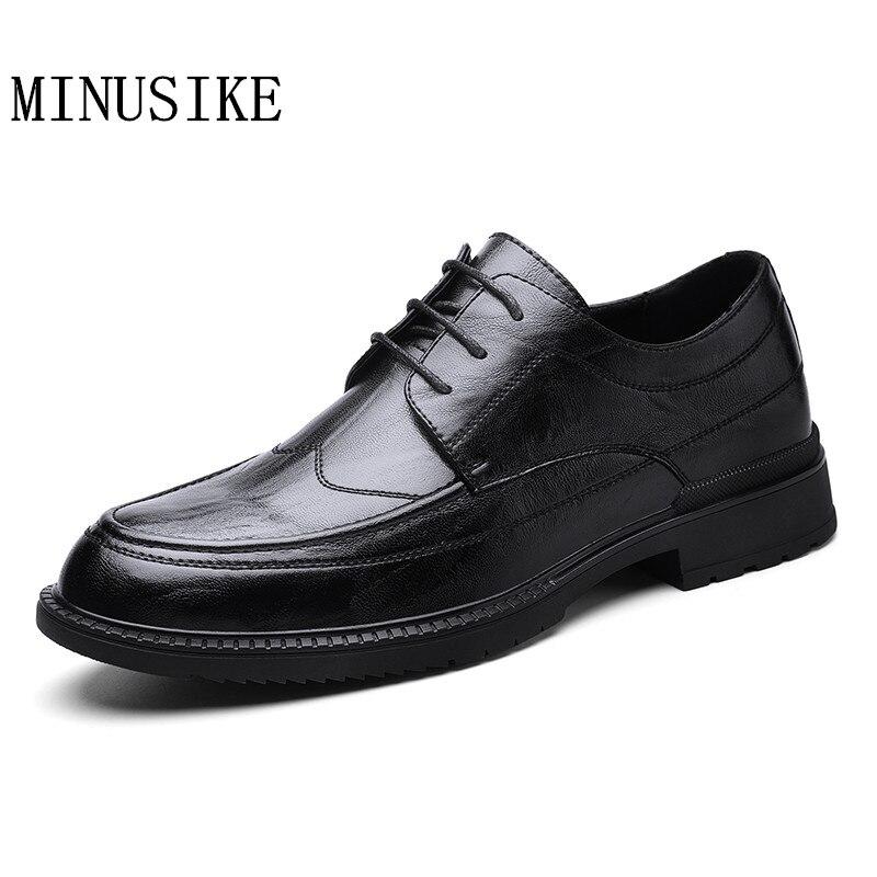Robe de soirée de mariage chaussures hommes en cuir chaussures décontractées affaires chaussures formelles de haute qualité hommes chaussures plates 2020 nouveau