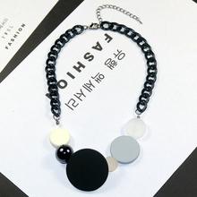 2009 New Colour Short Necklace Fashion Resin Sweater Chain W