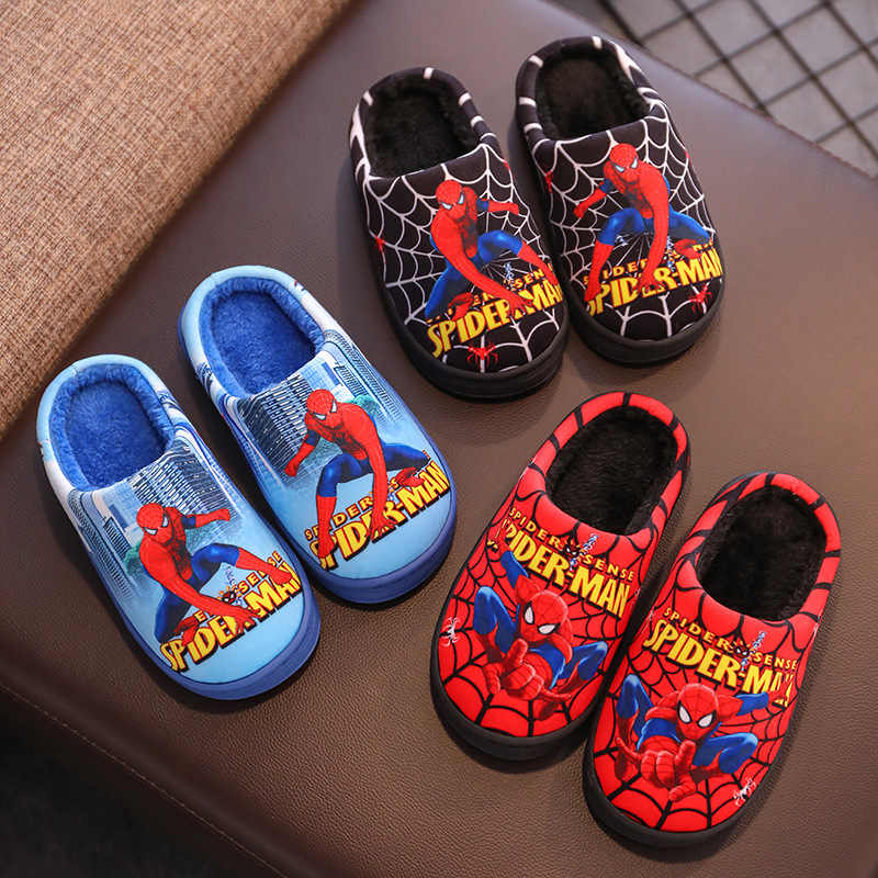 Модные детские хлопковые тапочки; коллекция 2020 года; Сезон Зима; теплая утолщенная домашняя обувь для мальчиков; хлопковые тапочки с человеком-пауком для мальчиков 3-15 лет