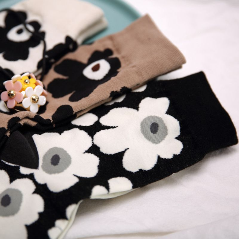 New Spring Floral Print Cotton Women Crew Socks Fashion Big Flower Blossoms Socks Super Feel High Quality Special Lady Socks