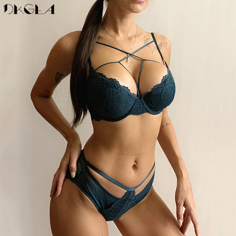 2020 New Embroidery Sexy Underwear Green Bra Set Push Up Brassiere Cotton Thick Women Lingerie Set Lace Bras Deep V Gather Black