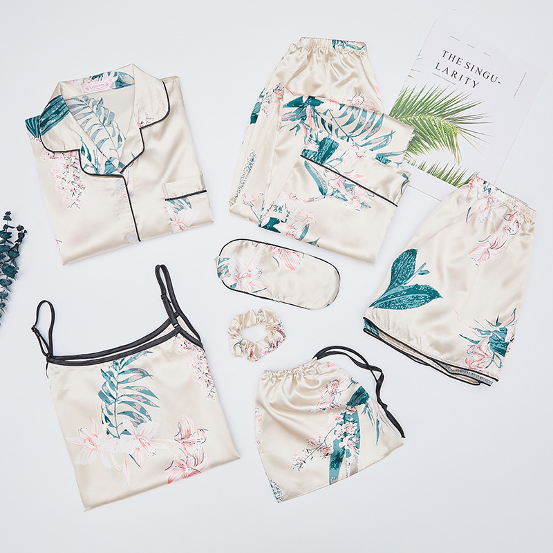 Factory Price Ice Silk Pajamas Women's Seven Sets Of Korean-style Lily Seven Sets Of Model Silk Homewear Set