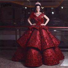 Ciemno czerwony Off The Shoulder suknia Quinceanera sukienki z ręcznie robione kwiaty pióra warstwowa spódnica Sweet 16 Prom sukienek tanie tanio Cianlsria Linen NYLON COTTON Włókno bambusowe Długość podłogi V-neck Bez rękawów Aplikacje Kryształ Koronki Wielowarstwowa