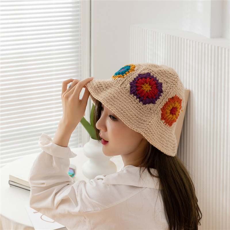 Women  Hollow Flower Knitted Fisherman Hat Handmade Crochet Color Matching Basin Hat Spring and Summer Sunscreen Sun Hat