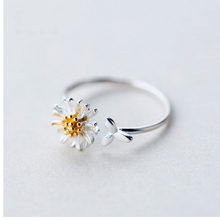Korean Style Daisy Flower Elegant Opening Rings Women Adjustable Wedding Party Engagement Finger Rings Statement Jewelry Gift