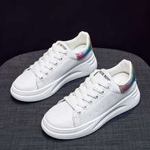 New Women Shoes 2019 White Sneakers Lace-Up Casual Shoes Women Tenis Feminino Breathable Ladies Trainers Shoes Zapatos De Mujer 2018 new brand shoes woman women flats couples sneakers casual zapatos mujer tenis feminino chaussures femme lace up