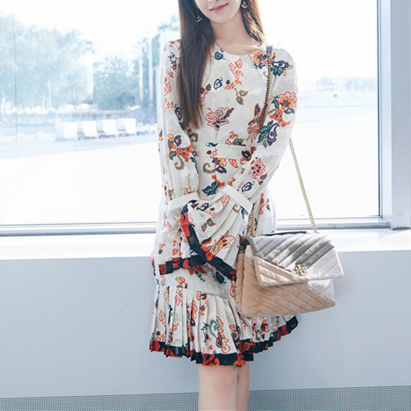 Femmes fleur imprimé mousseline de soie robe 2019 piste Designer robe femme à manches longues Flare a-ligne plissée ceinture élégante robe Robes