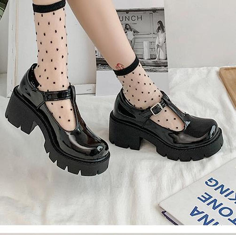 Customized 2021 new small leather shoes women's shoes British hollow female college style Mary Jane shoes big toe shoes women
