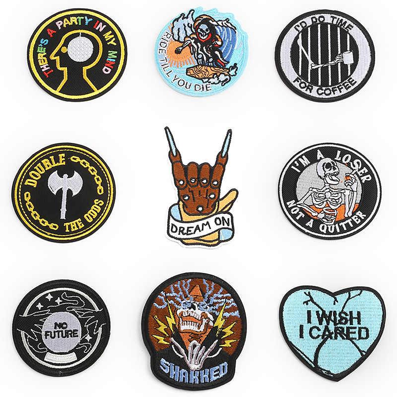 Neue Ankunft Kreative Schädel Kleidung Patches Eisen auf Streifen für Abzeichen Aufkleber auf T-shirt Kleidung Herz Stickerei Appliques