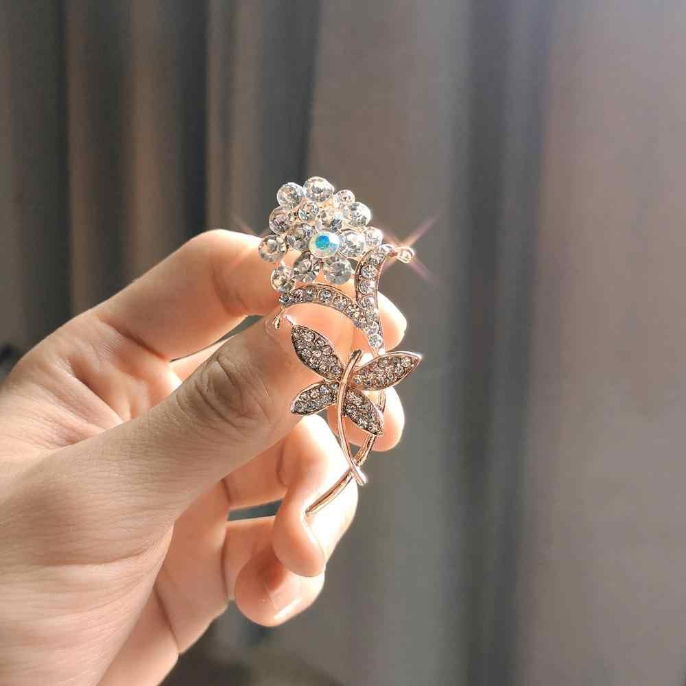 Daun Elegan Berlian Imitasi Kupu-kupu Mutiara Bunga Karangan Bunga Mawar Emas Pernikahan Bros untuk Wanita Crystal Pernikahan Bros Pin Perhiasan
