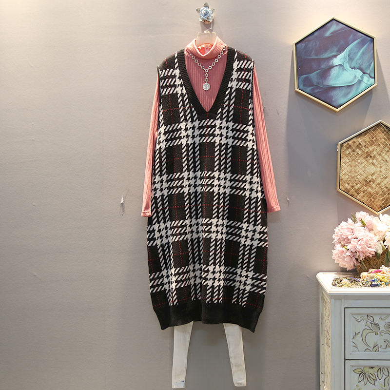 XITAO Plaid Straight Casual Knitted Dress Women Sleeveless 2019 Winter Korean New Style Elegant V Neck Collar Loose DMY1324 25