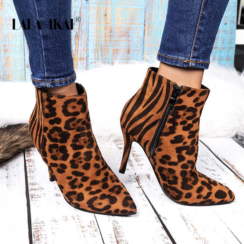 LALA IKAI kadın yarım çizmeler leopar Patchwork akın ince topuklar ayakkabı sivri burun bota feminina kadın Chelsea çizmeler XWC5409-4