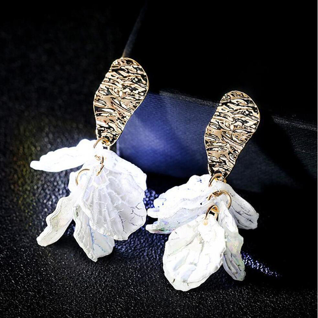 Korean White Shell Flower Petal Drop Earrings For Women 2019 New Statement pendientes Trendy Jewelry.jpg 640x640 - Korean White Shell Flower Petal Drop Earrings For Women 2019 New Statement pendientes Trendy Jewelry