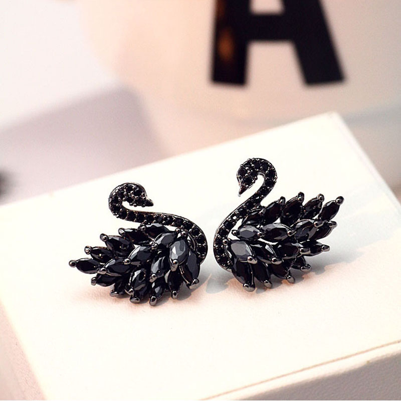 exquisite Crystal Black Swan Vintage Stud Earrings High Quality Elegant Prevent Allergy Personality Fashion Women's Earrings