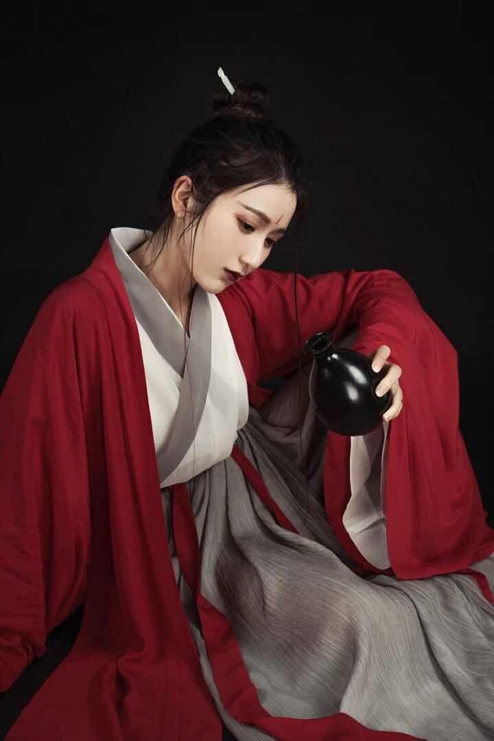 Women Hanfu Chinese Folk Dance Vintage Costume Elegant Improved Hanfu Suit Han Dynasty Swordsman Cosplay Costume Outfit