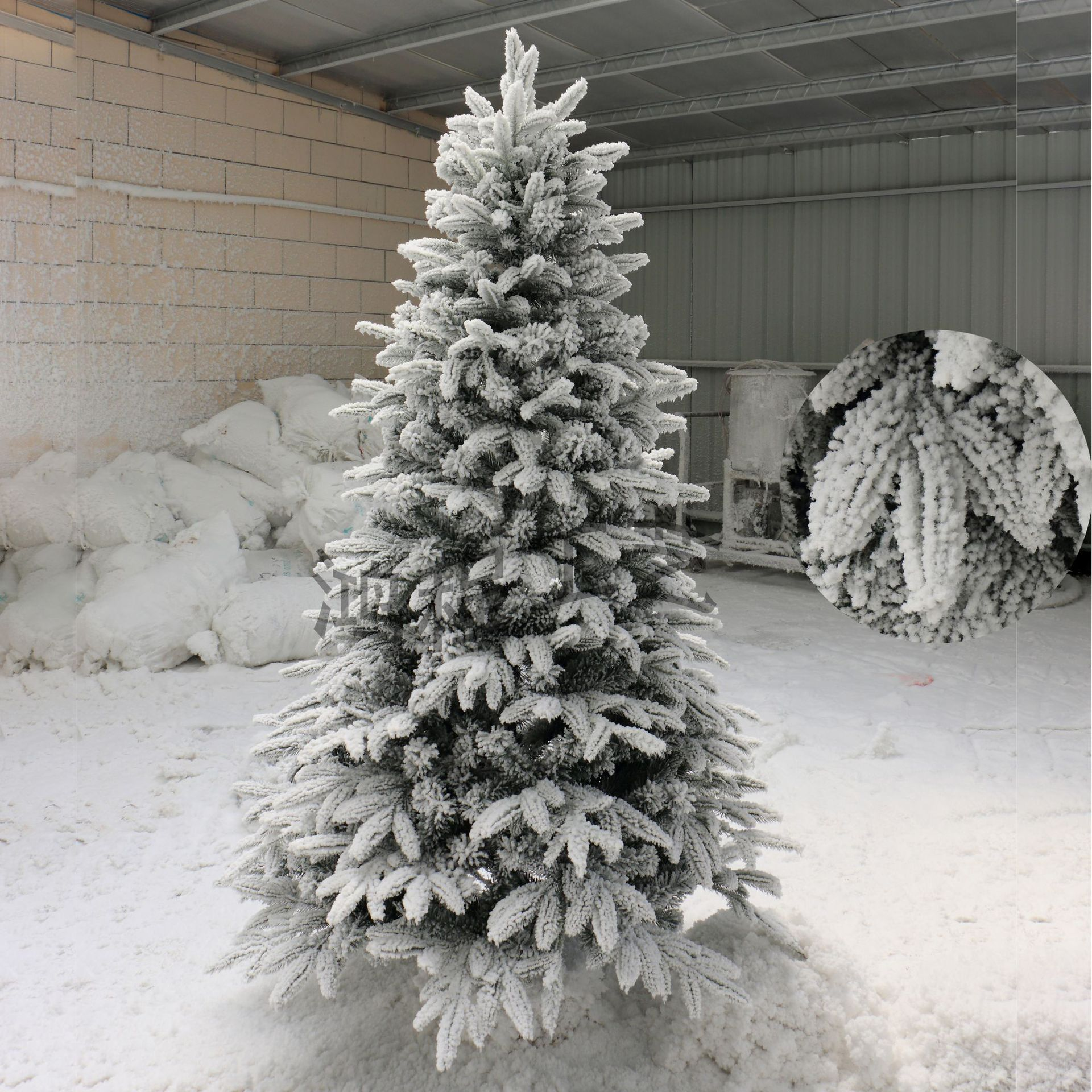 Luxury Christmas Tree 2 M Flocked Christmas Tree PE Christmas Tree Flocked Snowflake Christmas Tree Shopping Mall Decorative Tre