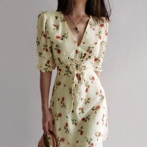 Mini vestido con cuello en V de encaje hasta la cintura con estampado Floral y hombros ligeramente inflados para mujer