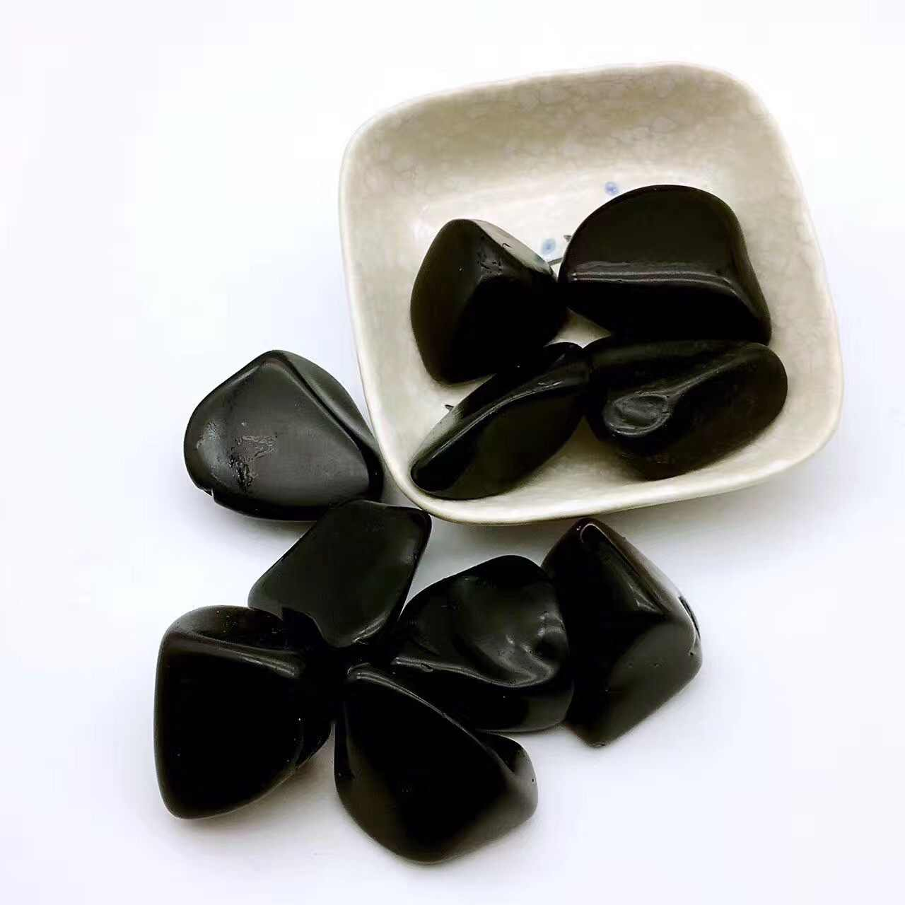 1 個自然な黒黒曜石消磁石ミネラル水槽天然水晶砂利ストーン装飾タンブル石 D3
