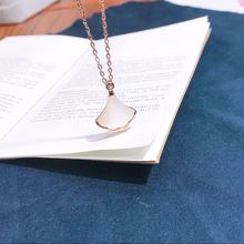 цена Pure 925 Sterling Silver Necklace Woman Ins Ginkgo Biloba Leaves Pendant Lady Cross Chain Luxury Rose Gold Color Choker Jewelry онлайн в 2017 году