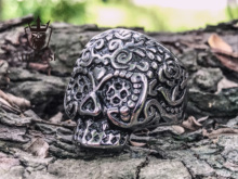Europe and the United States retro punk jewelry personality 316L titanium steel carved gabala exaggerated skull ring цена 2017
