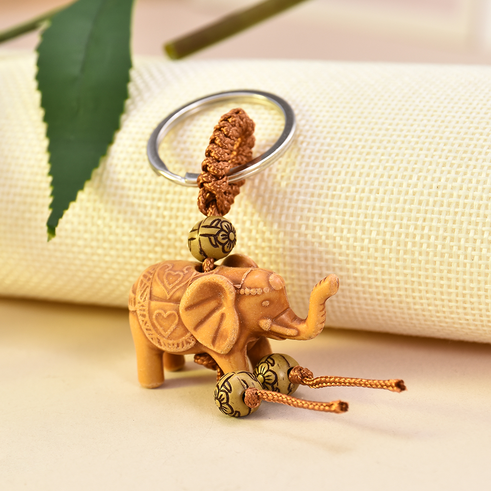 2019 New Fashion Women Men Lucky Wooden Elephant Carving Pendant Keychain Religion Chain Key Ring Keyring Jewelry Wholesale