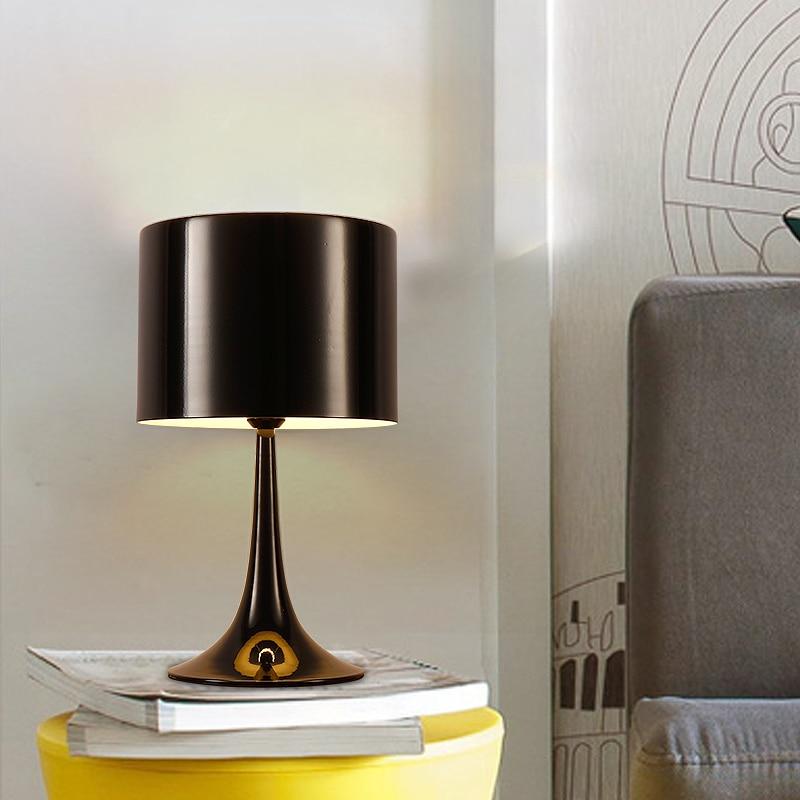 Creative Nordic Modern Table Lamp Bedroom Bedside Simple Modern Living Room Study Eye Protection Table Light    WJ011124