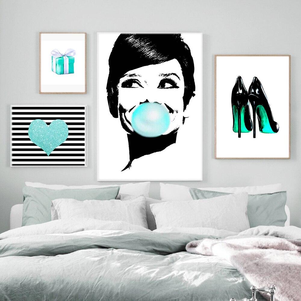Плакаты и принты Одри пузырь жвачка Завтрак у Тиффани на каблуках с сердечками модная Картина на холсте настенные картины для гостиной