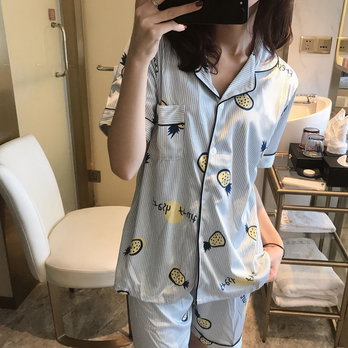 (Spike ARTISTRY) Summer Strawberry Pineapple Pajamas WOMEN'S Short Sleeved Double-Sided Qmilch Cardigan Button Shorts Set
