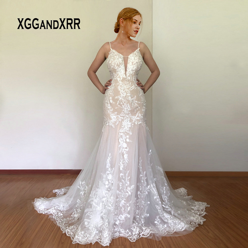 Romantic Lace Mermaid Wedding Dress 2020 Sexy Deep V Neck Lace Applique Beading Sequins Spaghetti Backless Long Bridal Gown
