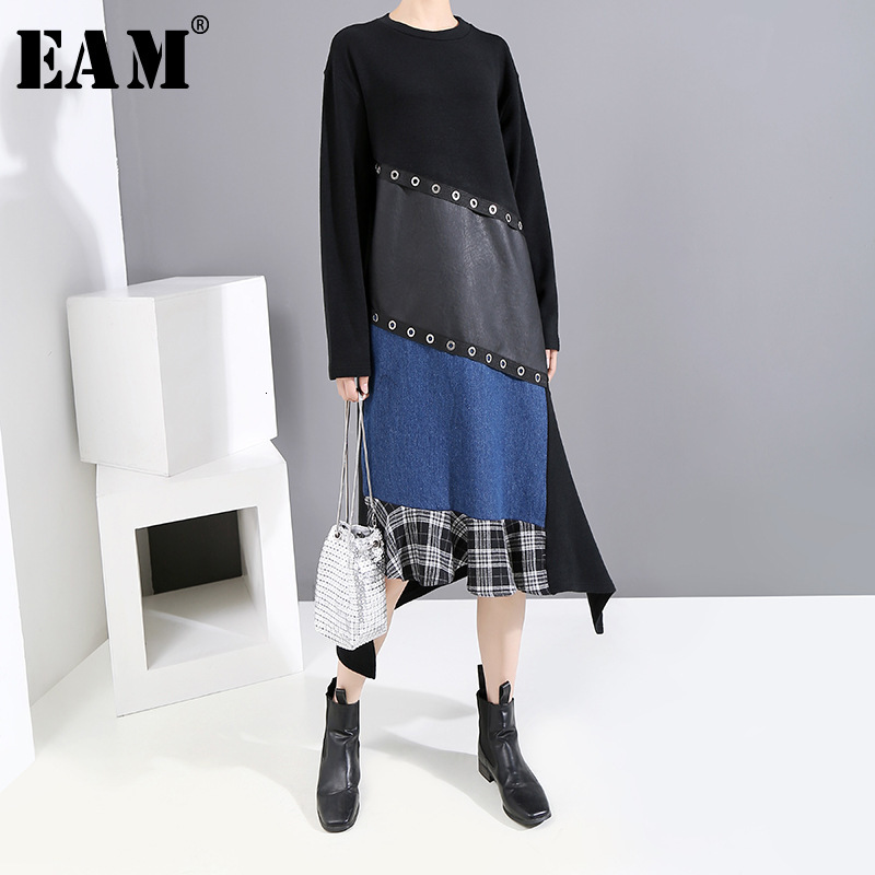 [EAM] Women Contrast Color Pu Split Asymmetrical Dress New Round Neck Long Sleeve Loose Fit Fashion Spring Autumn 2020 19A-a507