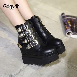 Image 4 - Gdgydh 2020 秋の女性のアンクルブーツラウンドトウゴールド金属バックルショートブーツを増加ハイヒールプラットフォーム女性のブーツの靴