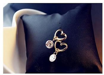 Korea Golden Heart Openwork Crystal Pendant Stud Earrings Modern Fashion Accessories Women's Earrings 1