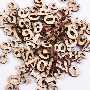 Σετ 100 τεμαχίων ξύλινοι αριθμοί και γράμματα.