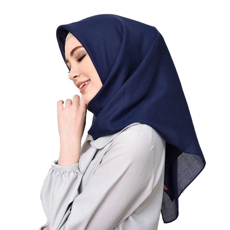 High Quality Malaysian Ladies Hijab Scarf Solid Color Cotton Oversize Square Scarf Muslim Shawls And Wraps Hijabs Foulard Femme