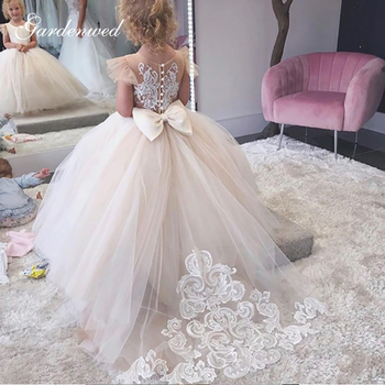 2020 Simple Ball Gown Flower Girl Dresses Lace Appliques Cap Sleeves Puffy Baby Girl Party Dresses Back Bow