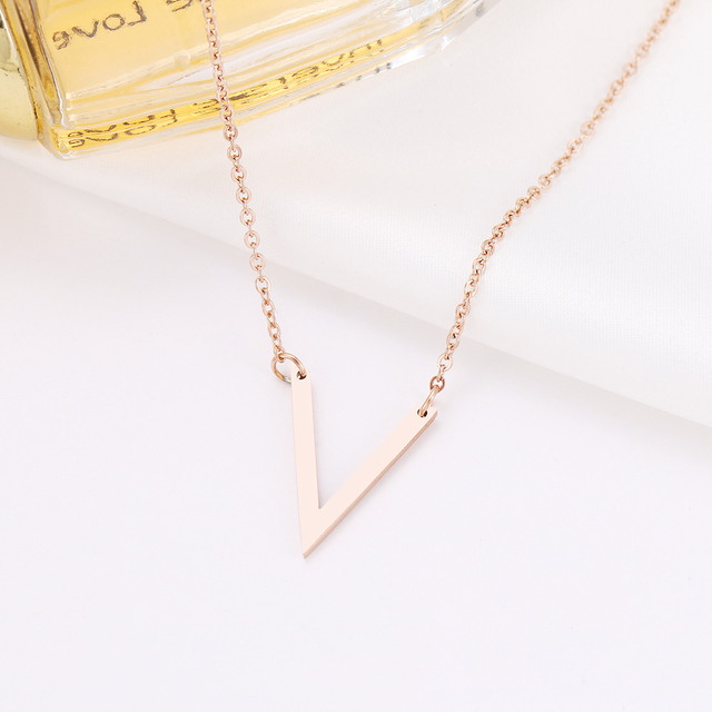 Simple V Pendant Necklace