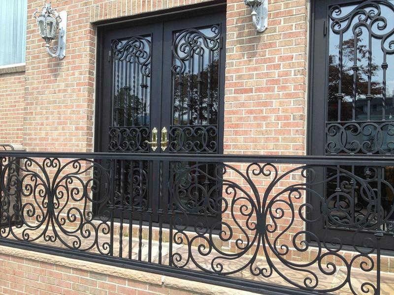 Hench  Steel Made Iron Double Doors