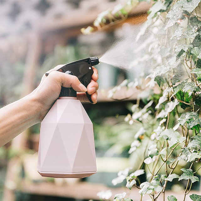 Фото завод спрей бутылка давление лейка антикапля ручной пластик цена