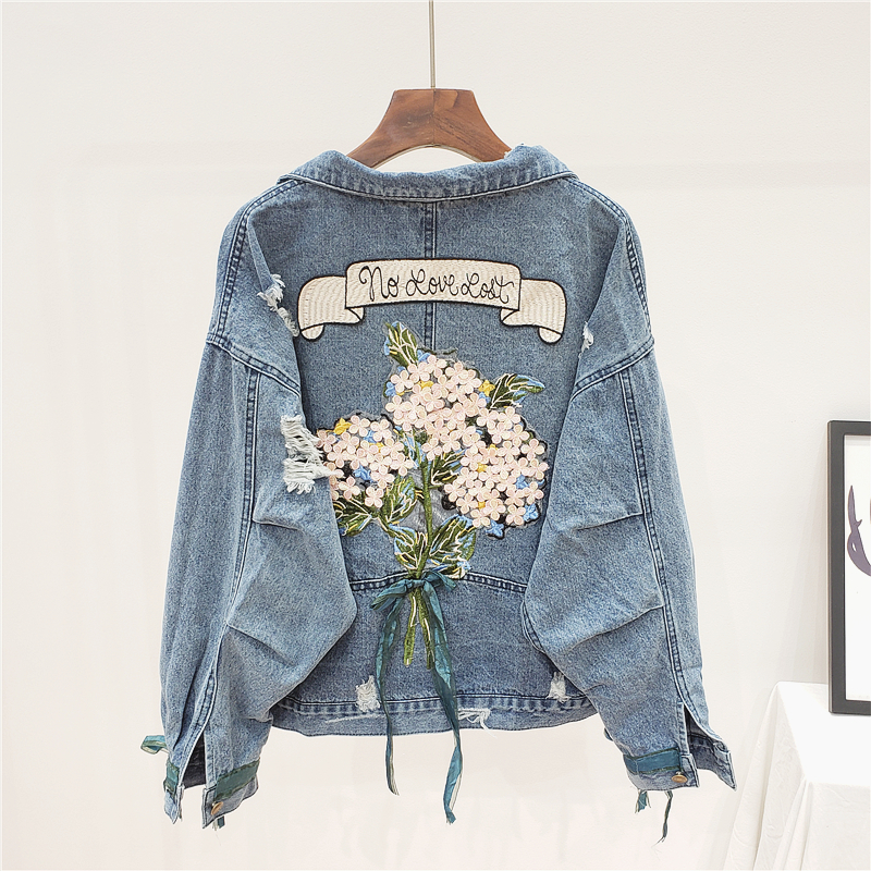 Spring Autumn Fashion Embroidery Flowers Denim Jacket Women Outerwear Female Loose Batwing sleeve Frayed Short Jeans Jacket Coat