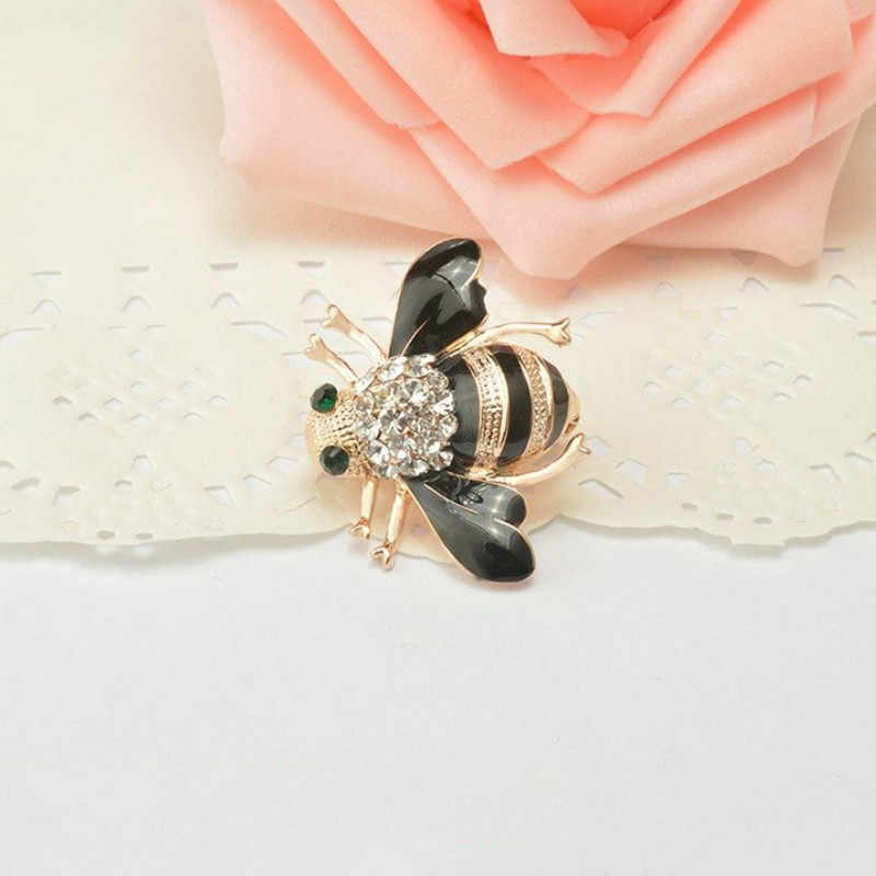 Cute Honey Brooch Bee Brooches Enamel Esmalte Broches Champagne Cute Pins Fashionable Many Occasions And Colorful Choose