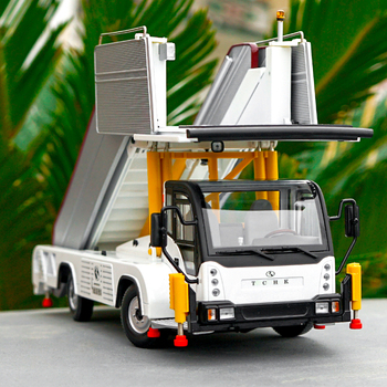 1/24 scale alloy diecast boarding car model aircraft boarding special car aviation boarding car model adult kids gift collection фото