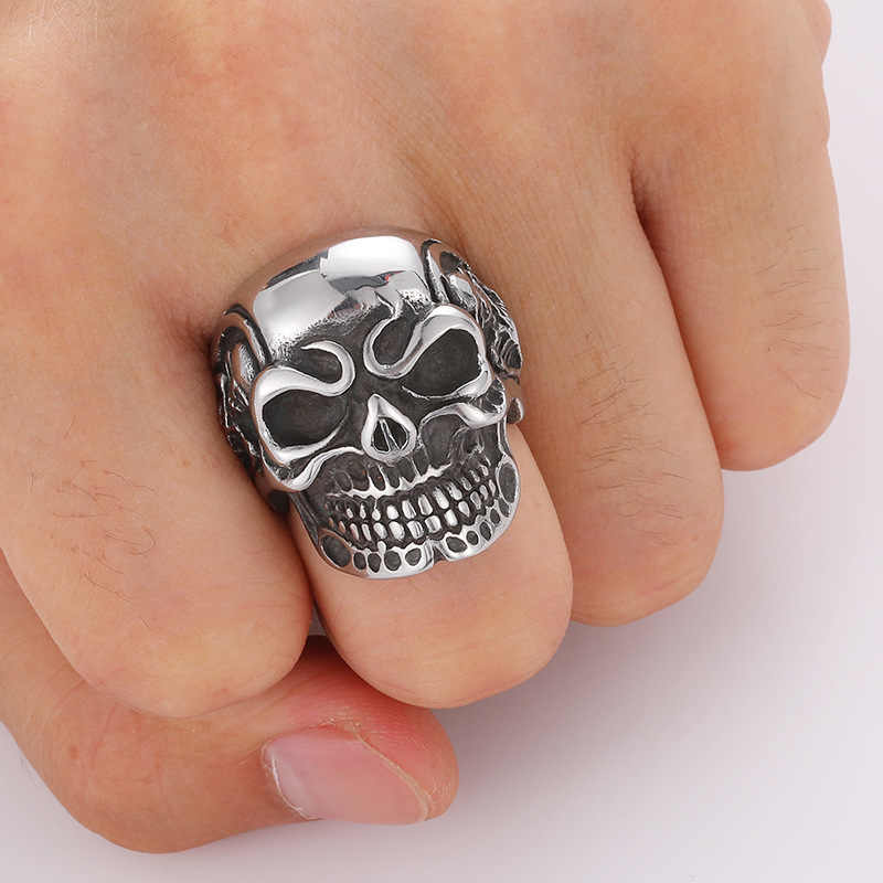 Mae 2019 New Arrival Classical Rings Zinc Alloy Skull Rings Evil and Demon Skeleton Puck Style Rings for Men Trendy Rings