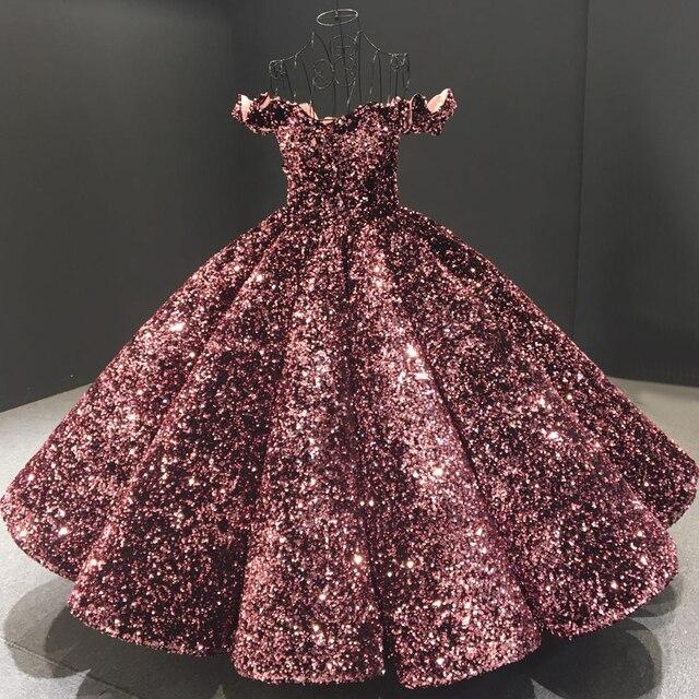 فستان سهرة فاخر وردي مكشوف الأكتاف من Dubai Bean 2020 مزين بالترتر المتألق بطول الكاحل فستان رسمي Serene Hill HA2093