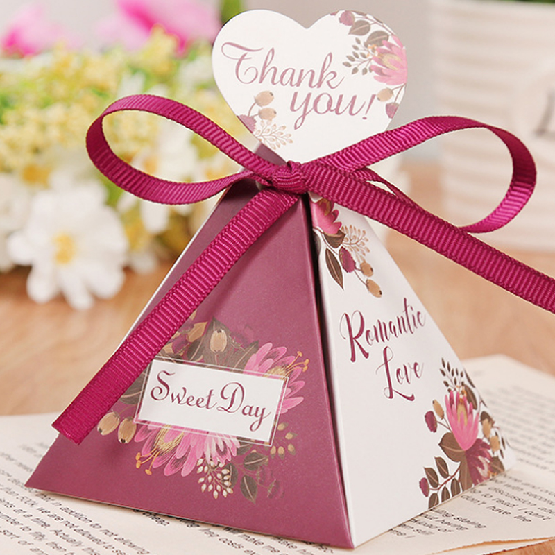 Candy Box Wedding Favors And Triangular Pyramid Gifts Boxes Candy Bags For Guests Wedding Party Christmas Valentine Paper Box